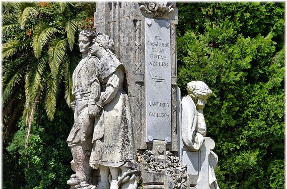 Estatua a Rosalía de Castro