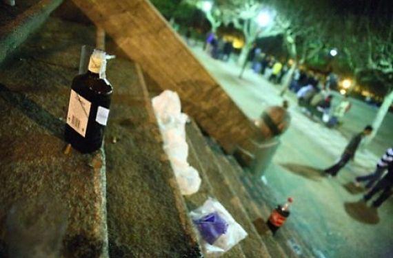Restos de un botellón en Compostela