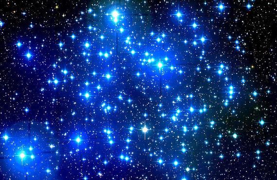 Imagen de unas estrellas en el cielo