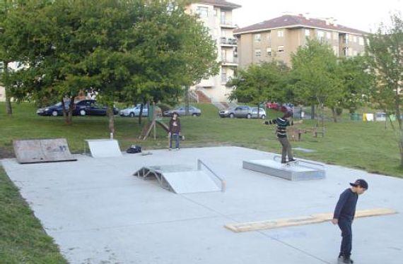 Niños jugando en Los Tilos
