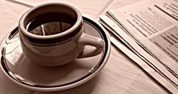 Café y periódico